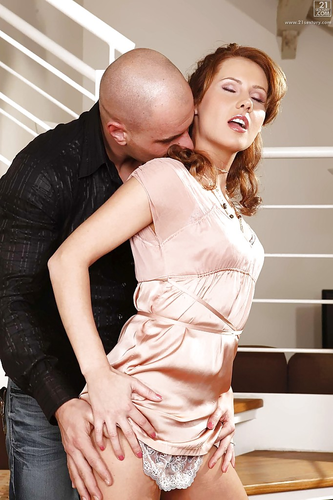 lustful-hardcore-milf-zuzana-z-getting-deeply-drilled-and-creampied
