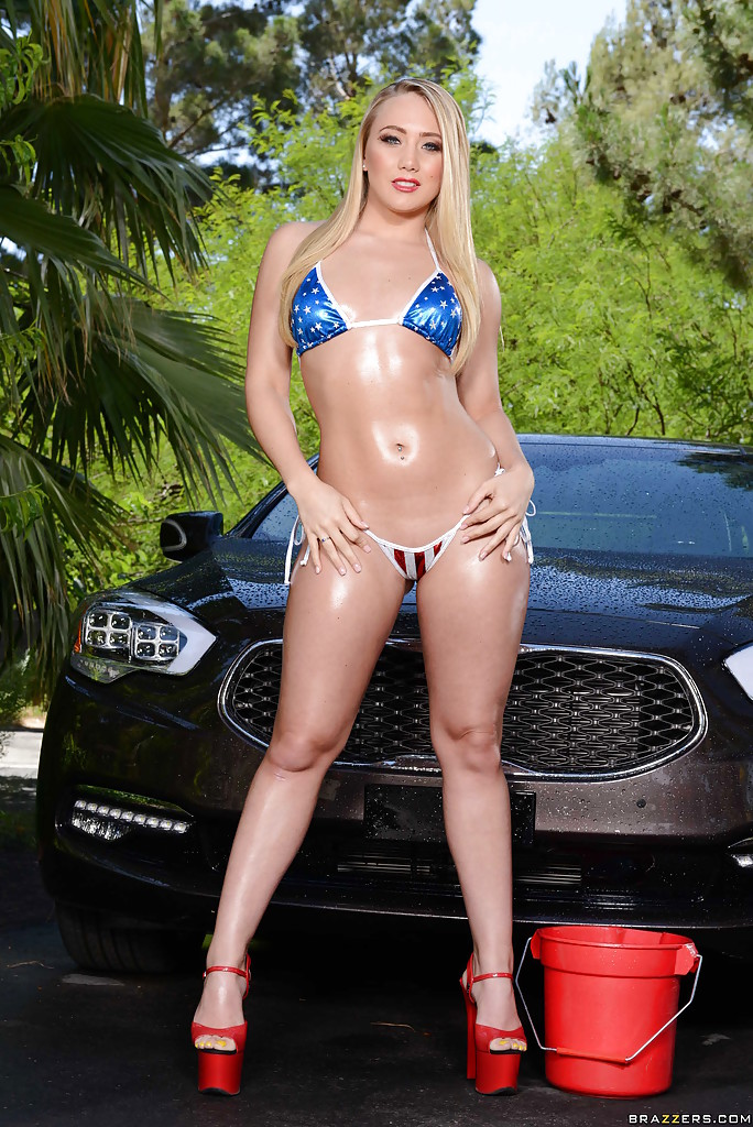 outdoor-posing-featuring-a-wet-babe-with-an-awesome-ass-aj-applegate